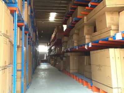 如何确保货架使用中的安全