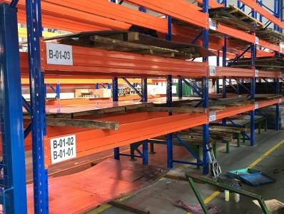 同诺为金属加工企业定做的大层载横梁货架